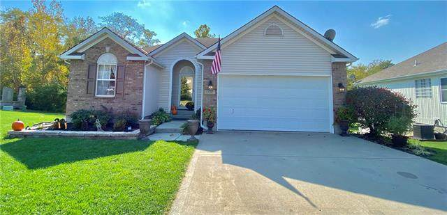 5002 NW Woodside Drive, Riverside, MO 64150 (#2246665) :: Ask Cathy Marketing Group, LLC