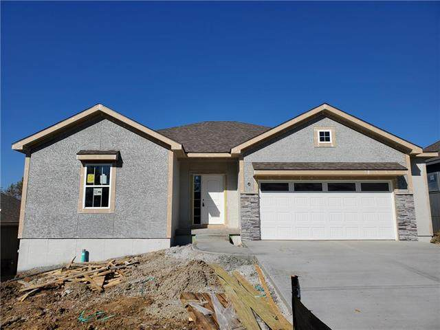 2000 Creek View Lane, Raymore, MO 64083 (#2246783) :: House of Couse Group