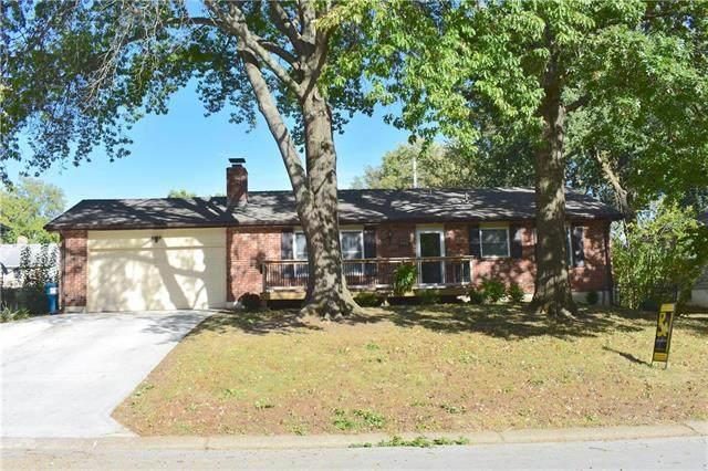 401 SW Marion Lane, Lee's Summit, MO 64081 (#2246962) :: Austin Home Team