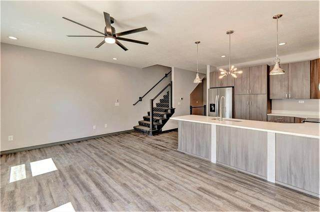 1220 NW 77th Street, Kansas City, MO 64118 (#2247060) :: Five-Star Homes