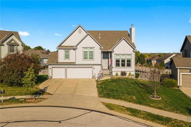 12131 S Emerald Street, Olathe, KS 66061 (#2247069) :: Eric Craig Real Estate Team