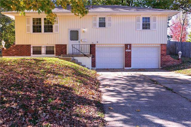 3904 S Maybrook Avenue, Independence, MO 64055 (#2247594) :: House of Couse Group