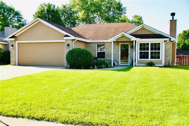 1005 Stone Brook Lane, Grain Valley, MO 64029 (#2247667) :: Ron Henderson & Associates