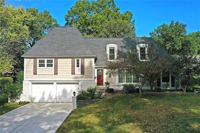 6508 W 102nd Street, Overland Park, KS 66212 (#2248541) :: Dani Beyer Real Estate