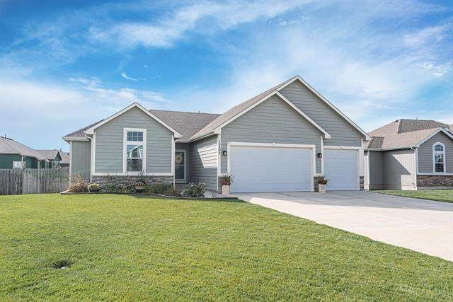 15307 Meyer Drive, Basehor, KS 66007 (#2248556) :: Edie Waters Network