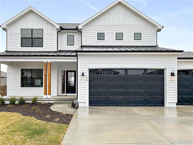 124 SE Riley Street, Blue Springs, MO 64064 (MLS #2248717) :: Stone & Story Real Estate Group
