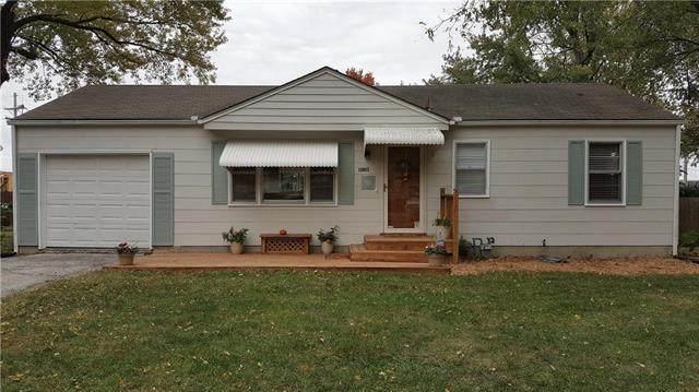 11803 Lawndale Avenue, Kansas City, MO 64137 (#2248749) :: Five-Star Homes