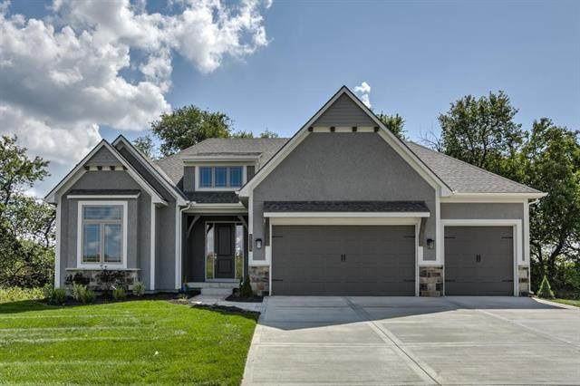 1204 SW Heather Drive, Lee's Summit, MO 64081 (#2249058) :: Edie Waters Network