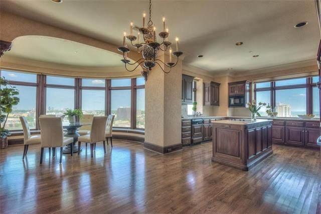 400 W 49th Unit 2166 Terrace #2166, Kansas City, MO 64112 (#2249349) :: Dani Beyer Real Estate