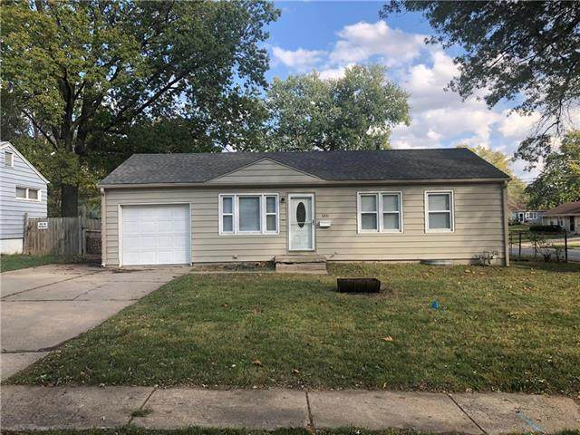 3201 N Spring Street, Independence, MO 64050 (#2249369) :: House of Couse Group
