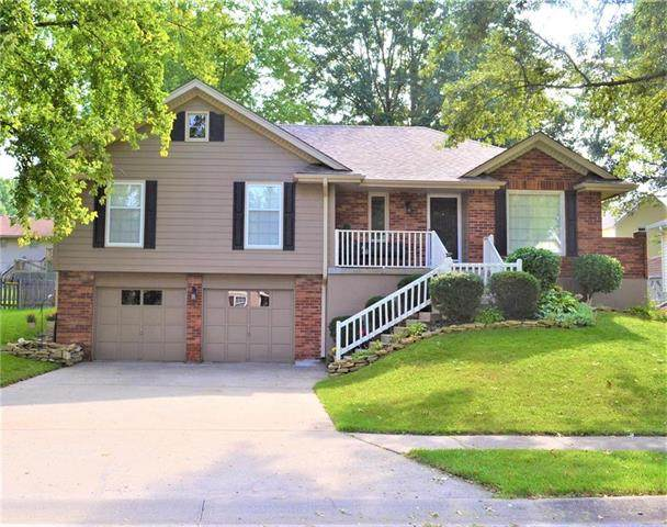 1207 Amesbury Avenue, Liberty, MO 64068 (#2249477) :: The Kedish Group at Keller Williams Realty