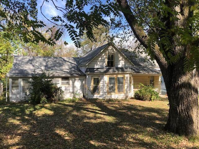 1215 Mound Drive, Atchison, KS 66002 (#2249779) :: Ron Henderson & Associates