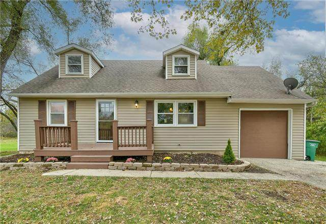 20205 S Johnson Drive, Pleasant Hill, MO 64080 (#2249798) :: Ask Cathy Marketing Group, LLC