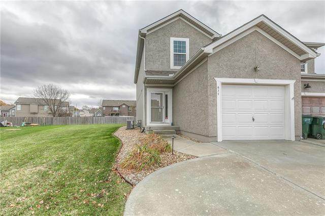 637 S Meadowbrook Street, Gardner, KS 66030 (#2249880) :: House of Couse Group