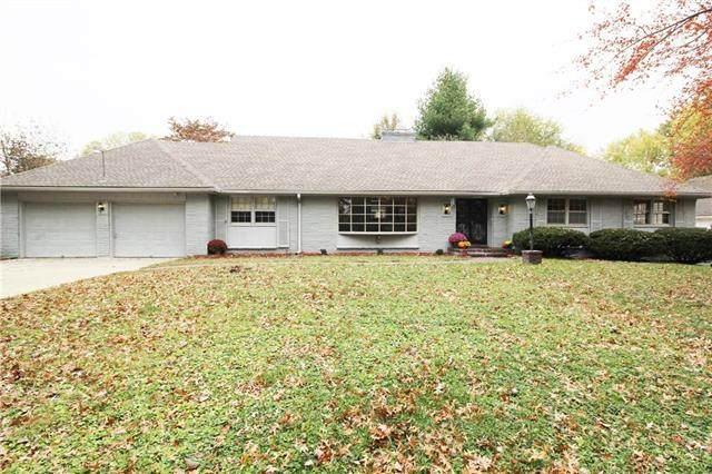 10504 E 64th Terrace, Raytown, MO 64133 (#2249903) :: Edie Waters Network