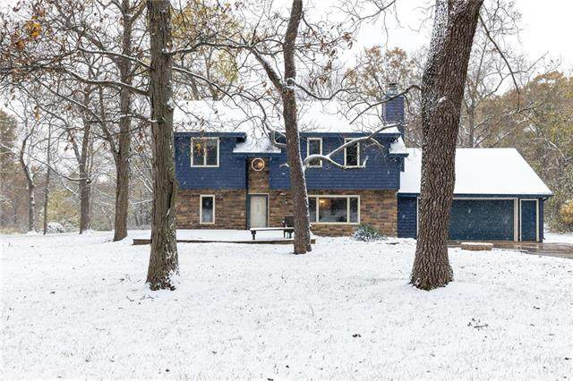 22858 S Lewis Drive, Spring Hill, KS 66083 (#2250021) :: Five-Star Homes
