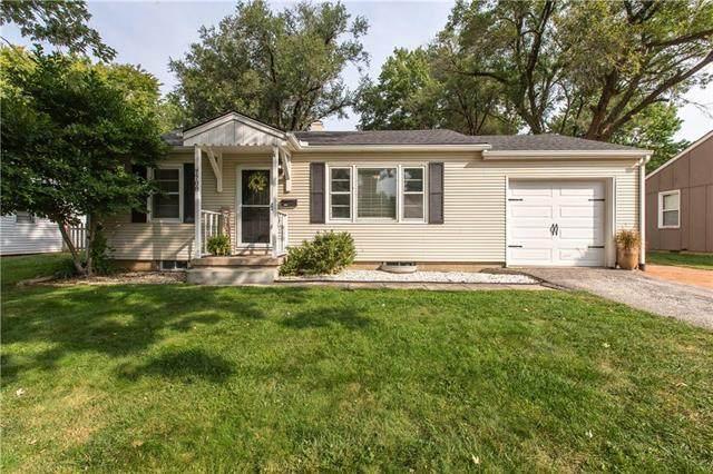 7708 W 64th Terrace, Overland Park, KS 66202 (#2250349) :: House of Couse Group