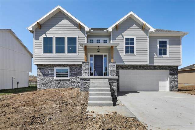 705 SE Colonial Drive, Blue Springs, MO 64014 (MLS #2250387) :: Stone & Story Real Estate Group