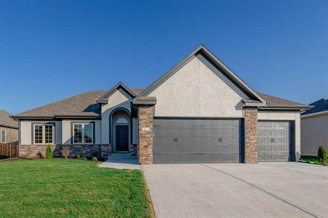 7917 SW 2nd Terrace, Blue Springs, MO 64014 (#2250917) :: The Rucker Group
