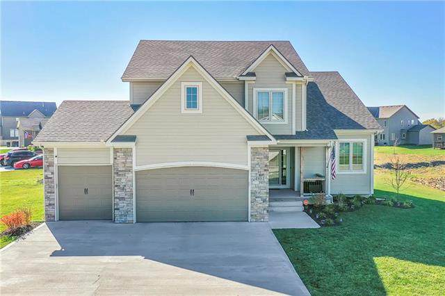 4801 SW 4th Street, Blue Springs, MO 64014 (#2250961) :: Eric Craig Real Estate Team
