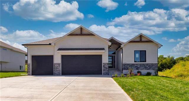 4712 SE Lyne Street, Blue Springs, MO 64014 (#2251015) :: Dani Beyer Real Estate