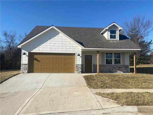 2061 Brookside Circle, Excelsior Springs, MO 64024 (#2251664) :: House of Couse Group