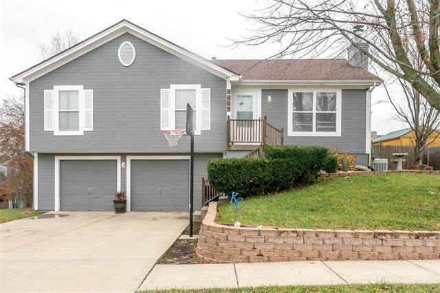 3745 N 113th Street, Kansas City, KS 66109 (#2251792) :: House of Couse Group