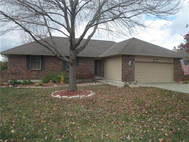 104 N Sunset Lane, Raymore, MO 64083 (#2251849) :: House of Couse Group