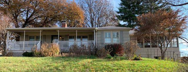 2419 N 32nd Street, St Joseph, MO 64506 (#2251964) :: House of Couse Group