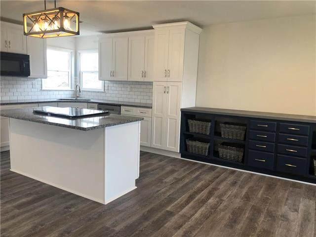 1708 S 4th Street, Platte City, MO 64079 (#2251998) :: Dani Beyer Real Estate