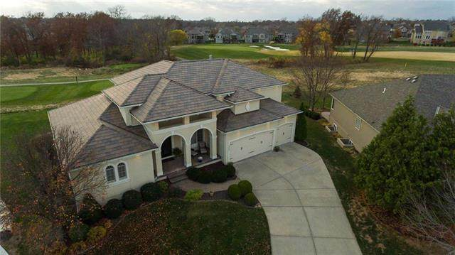 1402 Young Circle, Raymore, MO 64083 (#2252072) :: The Shannon Lyon Group - ReeceNichols