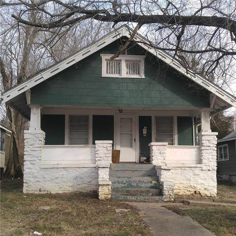 6819 Cleveland Avenue, Kansas City, MO 64132 (#2253459) :: The Rucker Group