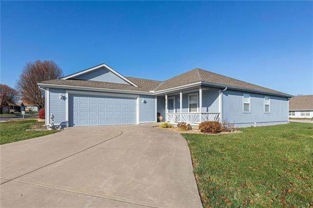 614 Sun Drive, Raymore, MO 64083 (#2254124) :: Eric Craig Real Estate Team