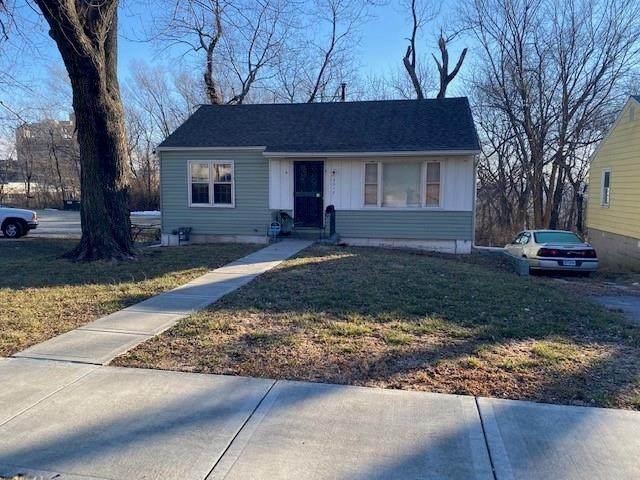 3513 Elmwood Avenue, Kansas City, MO 64128 (#2301586) :: Ron Henderson & Associates