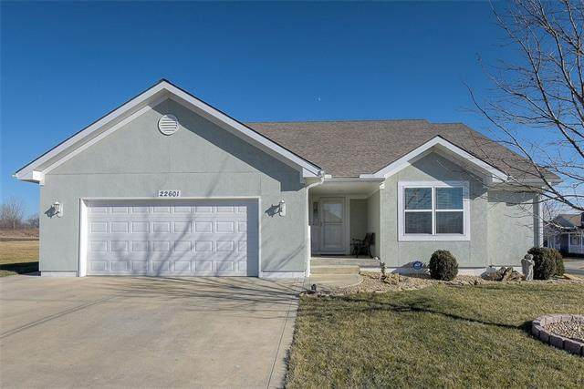 22601 Bailey Street, Peculiar, MO 64078 (#2301629) :: Eric Craig Real Estate Team
