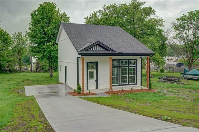 205 Lexington Road, Pleasant Hill, MO 64080 (#2303362) :: Five-Star Homes