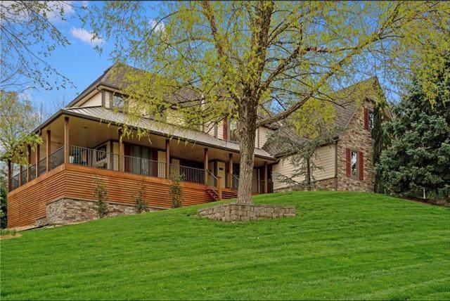 13705 W 54 Terrace, Shawnee, KS 66216 (#2303461) :: The Shannon Lyon Group - ReeceNichols