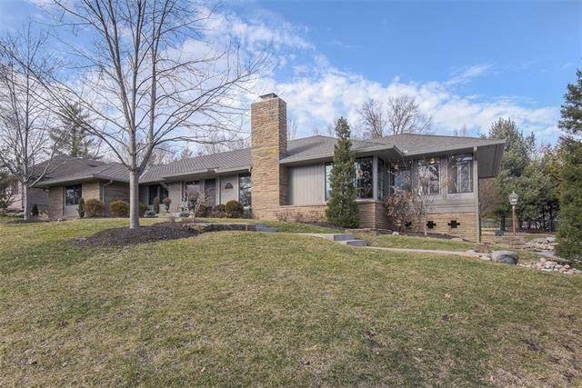 9926 Lee Circle, Leawood, KS 66206 (#2304491) :: House of Couse Group