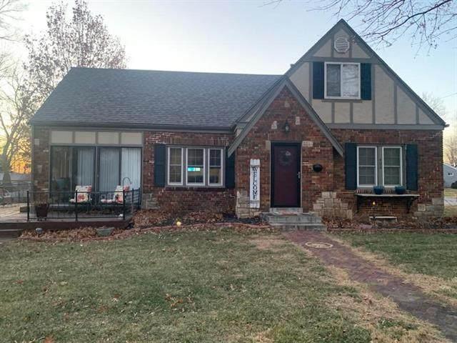 402 S Doyle Street, Louisburg, KS 66053 (#2304925) :: Edie Waters Network
