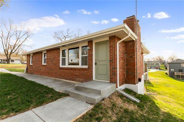 5008 N Belmont Avenue, Kansas City, MO 64119 (#2304998) :: Five-Star Homes