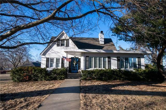311 V Street, Atchison, KS 66002 (#2305336) :: Dani Beyer Real Estate