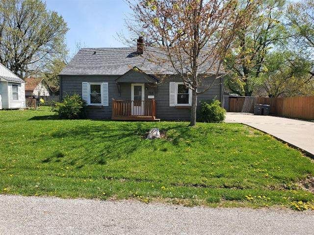 705 S Main Street, Harrisonville, MO 64701 (#2305527) :: Beginnings KC Team