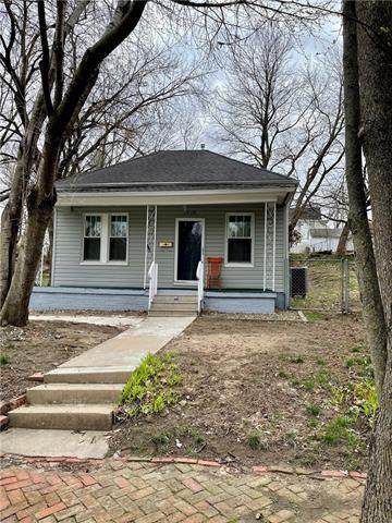 2616 Delaware Street, St Joseph, MO 64506 (#2305740) :: Dani Beyer Real Estate