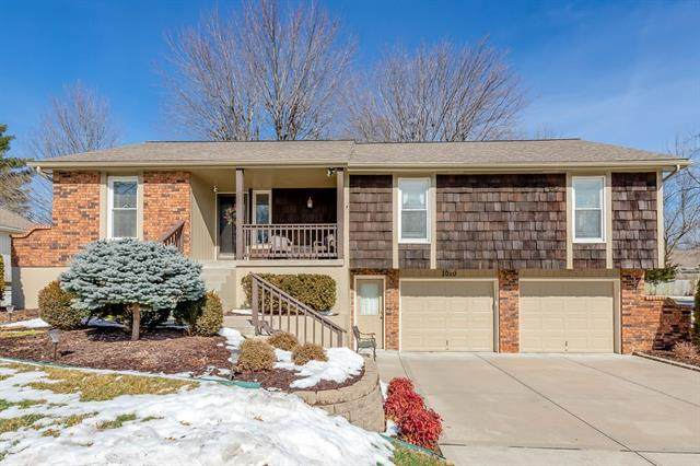 1010 SE 5th Street, Lees Summit, MO 64063 (#2306282) :: House of Couse Group