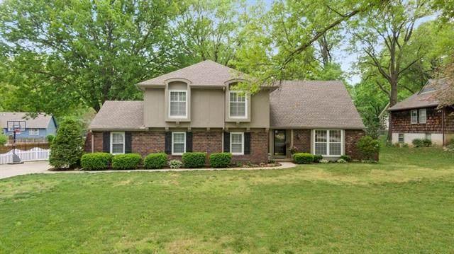 209 W 115th Terrace, Kansas City, MO 64114 (MLS #2306360) :: Stone & Story Real Estate Group