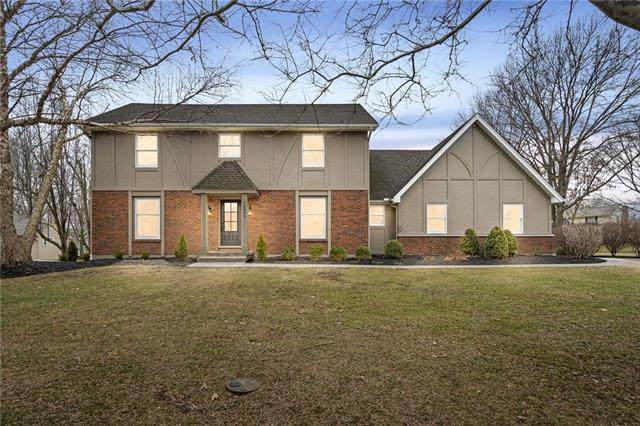 12806 Pembroke Circle, Leawood, KS 66209 (#2306563) :: House of Couse Group