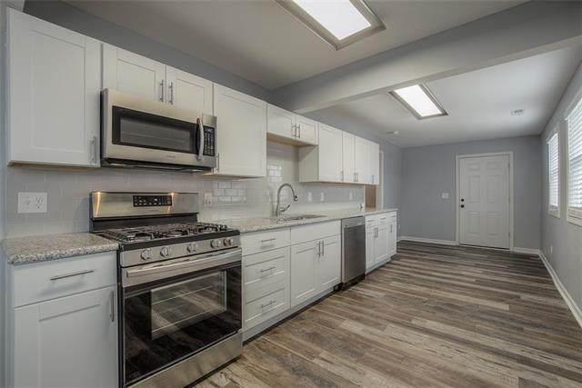 4710 Crest Drive, Kansas City, KS 66106 (#2307881) :: Ron Henderson & Associates