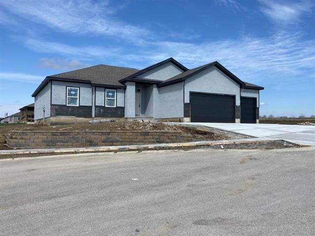720 Eagle Cove, Lawson, MO 64062 (MLS #2309669) :: Stone & Story Real Estate Group