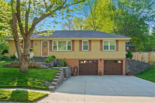 920 SW 14th Street Terrace, Blue Springs, MO 64015 (#2311667) :: Team Real Estate