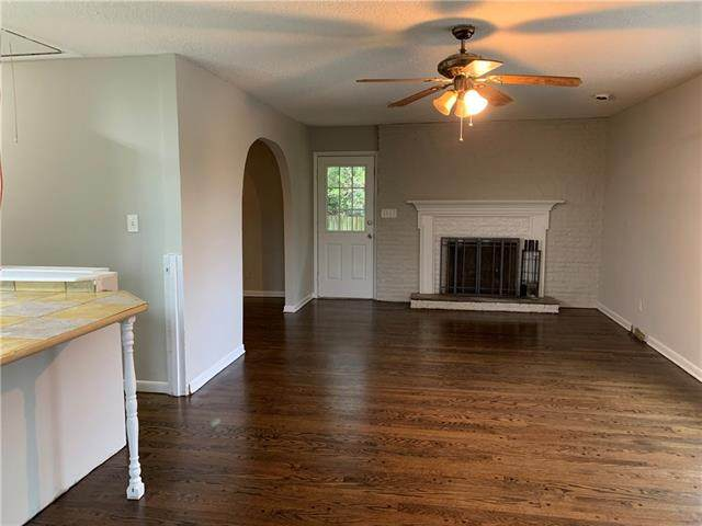 7410 NW Tower Drive, Platte Woods, MO 64151 (#2311715) :: The Rucker Group